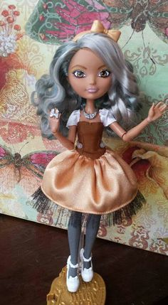 EAH: Custom background character Ever After High, Pretty Dolls, Beautiful Dolls, Monster High School, Pokemon Dolls, Ever After Dolls, Raven Queen, Doll Repaint, Monster High Dolls