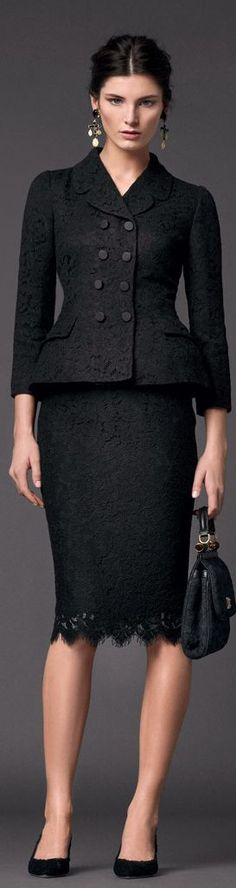 Office look | Dolce and Gabbana black lace skirt and blazer