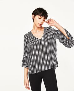 PRINTED BLOUSE WITH FRILLED SLEEVES