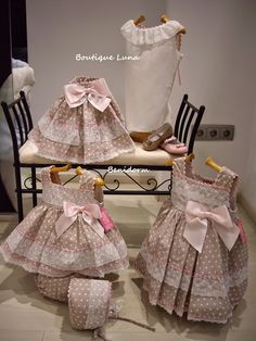 BOUTIQUE LUNA : Ni Ni PRIMAVERA 2015 Little Dresses, Little Girl Dresses, Cute Dresses, Girls Dresses, Little Girl Fashion, Kids Fashion, Toddler Outfits, Kids Outfits, Girl Dress Patterns