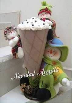 muñecos navideños en polar - Buscar con Google Christmas Snowman, Red Christmas, Christmas Stockings, Christmas Crafts, Christmas Decorations, Christmas Ornaments, Holiday Decor, Christmas Things, Diy And Crafts