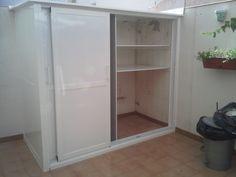 Aluminum Kitchen Cabinets, Aluminium Kitchen, Outdoor Laundry Rooms, Outdoor Spaces, Ideas Terraza, Laundry Doors, Laundry Room Design, Kitchen And Bath, Bathroom Medicine Cabinet