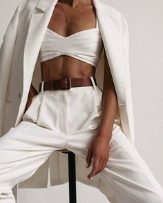 White outfits are a ᒪOᐯᗴ. Style Outfits, Cool Outfits, Casual Outfits, Fashion Outfits, Summer Outfits, Blazer Outfits, White Outfits, Fashion Pants, Fashion Details