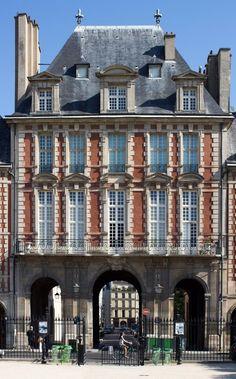 Pavillon de la Reine - Place des Vosges - Paris 3 (75)