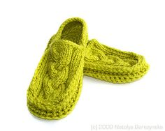 https://flic.kr/p/6UU6qs | Juicy Lime Cabled Moccasin Slippers by Natalya's Studio | These cute, warm and stylish moccasin slippers won't let your feet get cold. Very compact and light, almost weighless, they will please you at home and on trips. They easily fit in your purse!  Bright and trendy lime color and unusual combination of cabled (knitted) and crocheted parts make these slippers truly unique, while double thick sole makes them very warm and durable - pure bliss for tired feet…