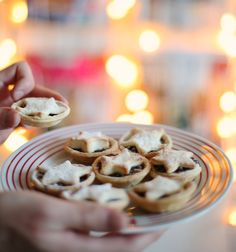 Tasty merry mini mince pies | Recipe