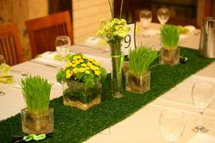 Tennis inspired centerpiece I do NOT like the small flowers, but the runner idea I like