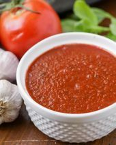 No pizza is complete without the perfect red sauce. Try making your own with this delicious and simple homemade pizza sauce recipe that tastes better than any store bought sauce! Red Onion Pizza, Tomato Paste Recipe, Sauces, Salsa, Chicken Pizza Recipes, Making Homemade Pizza, Canned Tomato Sauce, Homemade Sauce, Meals