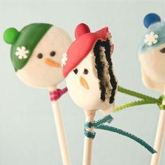 Christmas dessert idea - Oreo Snowman Pops tutorial{click link for full tutorial}.