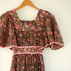 Vintage 70s Bohemian Peasant Style Floral Dress, XS or size 2