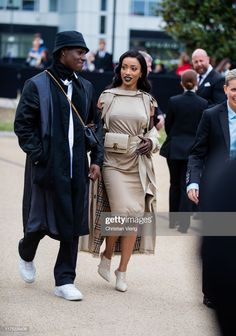 News Photo : Rapper Shay is seen outside Burberry during. London Fashion, Fashion News, Rapper, Burberry, Black Women, The Outsiders, Winter Jackets, Street Style, Style Inspiration
