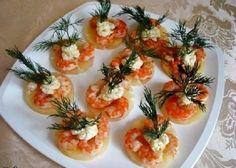 Snack pineapple shrimp.