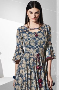 Blossom Ready made Printed Kurti – dressideas Salwar Neck Designs, Kurta Neck Design, Neckline Designs, Dress Neck Designs, Kurti Sleeves Design, Sleeves Designs For Dresses, Neck Designs For Suits, Frock Style Kurti, Simple Kurta Designs