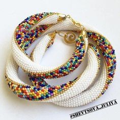 New Crochet Jewelry Patterns Bracelet Beaded Necklaces Ideas Bead Crochet Patterns, Bead Crochet Rope, Seed Bead Patterns, Beading Patterns, Beading Tutorials, Beaded Crochet, Crochet Ideas, Crochet Beaded Bracelets, Beaded Bracelet Patterns