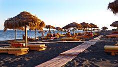 Precious Tips for Outdoor Gardens - Modern Santorini Beaches, Santorini Island, Santorini Greece, Beautiful Islands, Beautiful World, Greece Travel, Greece Trip, Paros, Santorini Holidays