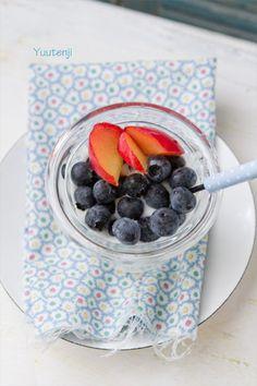 yoghurt, blueberry, plum