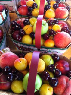 Fresh fruit from the orchards of Niagara-on-the-Lake! Wicked Good, Canadian Food, O Canada, Family Trips, Beautiful Park, Orchards, Beach Fun, Country Life, Peaches