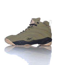 wholesale dealer 17794 18bb5 REEBOK Men s sneaker Lace up closure Padded tongue with logo REEBOK logo  Cushioned inner sole for co.