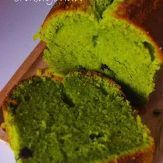 This is a matcha pound cake. Crispy on the outside, moist on the inside and so good! The secret to the moist texture is yogurt. An easy mix-and-bake cake!