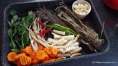 ingrediente muraturi de casa cimbru marar hrean usturoi ardei iute morcov telina Pasta Salad, Carrots, Cheese, Vegetables, Ethnic Recipes, Food, Anastasia, Blue Prints, Crab Pasta Salad