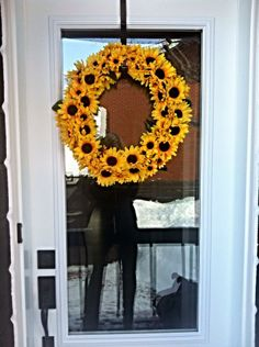 Sunflower Wreath ~ Sunflower Wreaths, Crafts, Diy, Home Decor, Homemade Home Decor, Bricolage, Crafting, Diy Crafts, Craft