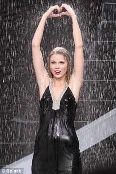 Taylor Swift Fearless Tour - Today Was A Fairytale and Should've Said No