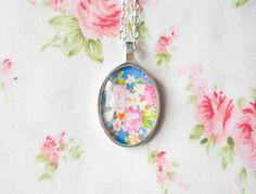 Vintage Rose Necklace, Vintage Floral, Pretty Necklace, Flower Cabochon, Rose Necklace, Pendant Necklace, Pretty Roses, Gift Idea