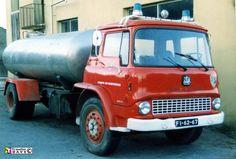 bedford tk - Google zoeken Old Trucks, Fire Trucks, Vauxhall Motors, Bedford Truck, Old Lorries, Old Wagons, Heavy Truck, Commercial Vehicle, General Motors