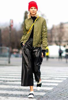 Con la semana de la moda de París termina un mes lleno de desfiles y propuestas que también fichamos a pie de calle. Las fashionistas no se pierden la cita y nosotros no dejamos de fichar los mejores estilismos para inspirarte. Así se viste en la ciudad de 'l'amour'.