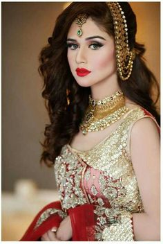So beautiful Bridal Dress no words Pakistani Bridal Makeup, Bridal Mehndi Dresses, Beautiful Bridal Dresses, Beautiful Bride, Beautiful Eyes, Wedding Dresses, Bridal Makeover, Asian Bridal, Bride Look