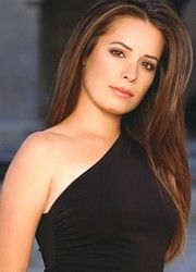Holly Marie Combs: She will forever be the queen of amazing hair. I have always wanted her hair. Holly Marie Combs, Pretty People, Beautiful People, Beautiful Women, Charmed Tv, Piper Charmed, Celebs, Celebrities, Girl Crushes