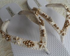 Ivory and Gold Shell Bridal Flip Flops / Shell and Starfish Flip Flops / Summer Beach Flip Flops / Bohemian Style Sandals / Bridesmaids. Beach Flip Flops, Flip Flop Sandals, Flip Flop Craft, Decorating Flip Flops, Wedding Flip Flops, Leather Flip Flops, Ivoire, Bohemian Style, Gifts For Mom