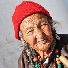 Her wrinkles share a lifetime of stories  #beauty #age #dignity #culture #ladakh #tribal #women #mountain #life #happiness #himalayas #spiritual #journey #travelphotography #moments #travel #india #picoftheday #love #explore #afterlight #aroundtheworld #travelgram #instagood #instapassport #vsco #vscocam #instadaily #lifewelltravelled by _traveler.at.heart_