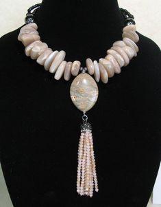 Dragonfly Jewelry, Clay Jewelry, Big Jewelry, Jewelry Ideas, Jewelry Accessories, Handmade Beaded Jewelry, Handmade Jewelry Designs, Crystal Necklace, Beaded Necklace