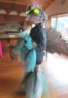 Amazing Homemade Angler Fish Costume for My 11-yr-old Daughter #halloween