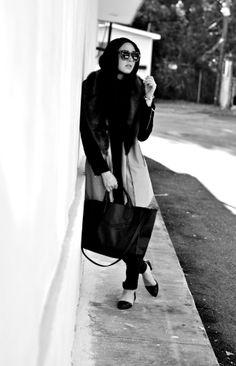 Love the fur :) Muslim Women Fashion, Islamic Fashion, Maria Alia, Turban, Hajib Fashion, Moslem, Modern Hijab, Hijab Fashionista, Fashion And Beauty Tips
