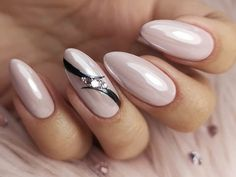 Yellow Nails Design, Purple Nail Designs, Nail Polish Designs, Plum Nails, Pale Pink Nails, Elegant Nail Art, Elegant Nail Designs, Christmas Nail Art Designs, Christmas Nails
