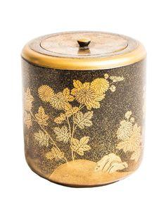 Natsume (tea caddy), gold lacquer, Japan, Meiji period. on CLASSIQS – www.classiqs.com