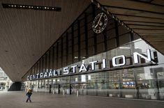 Stazione centrale, Rotterdam Foto EPA/SEM VAN DER WAL Rotterdam, Photography Collage, Wale, Wuhan, Nairobi, Venice Beach, Westminster, New York Times, Singapore