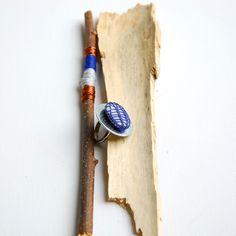 ring YUKI Pebble caught in a knitting