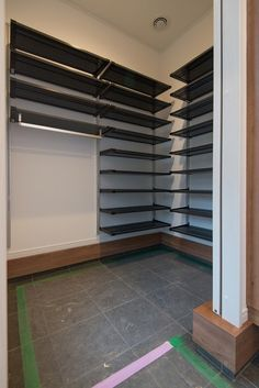 Bottle Top, House Entrance, Home Crafts, Shoe Rack, Tile Floor, Garage Doors, Room Decor, House Design, Closet