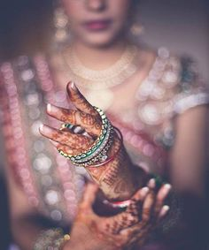 Beautiful Shots Of Indian Brides Getting Ready For Their Wedding - BollywoodShaadis.com - Page 6