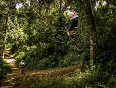 Trilha do Morrão, Jaraguá - São Paulo, SP. Photo:© João Paulo Labeda / 2Rodas.