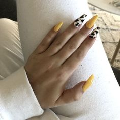 Summer nails, cowprint, yellow nails, 2019 Many women prefer to attend the hairdresser even if they cannot have time … Cow Nails, Aycrlic Nails, Hair And Nails, Yellow Nails Design, Yellow Nail Art, American Nails, Nagellack Trends, Fire Nails, Best Acrylic Nails