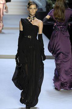Christian Dior Fall 2007 Ready-to-Wear Fashion Show - Linda Vojtova (NATHALIE)