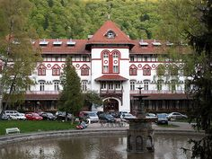 Sinaia Romania, Cities, Explore, Mansions, Country, House Styles, Places, People, Travel