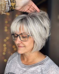 Short Hairstyles For Thick Hair, Mom Hairstyles, Haircut For Thick Hair, Short Hair With Layers, Short Hair Styles, Older Women Hairstyles, Short Choppy Haircuts, Medium Hair Styles, Hairstyle For Women