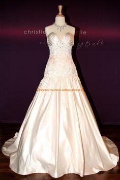 Elegante Brautkleider A-Linie 2013 aus Taft mit Stickerei