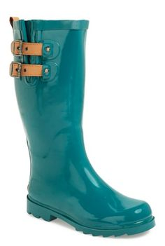 glossy teal rainboots http://rstyle.me/n/qb5wapdpe
