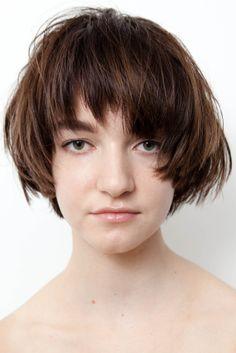 Brunette bowl cut #NicoleHS #WesSharpton #RoxieDarling #TonyKelley #MichaelGordon #CleansingCreme #hairstorystudio #purelyperfect #shorthair #bobs #layers